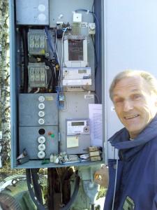 Johannes beim Stromablesen