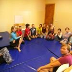 Die jüngeren Kinder in Wedrussija beim Englischunterricht